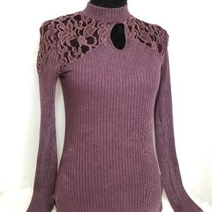 Long sleeve turtle neck burgundy FREE PEOPLE shirt